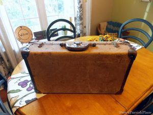 Trashtastic Tuesday- My Antique Suitcase