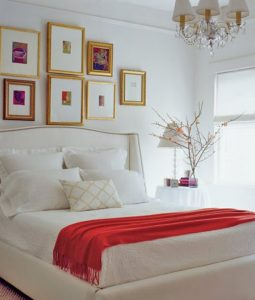 10 Ways to Use Throws in Your Bedroom Decor