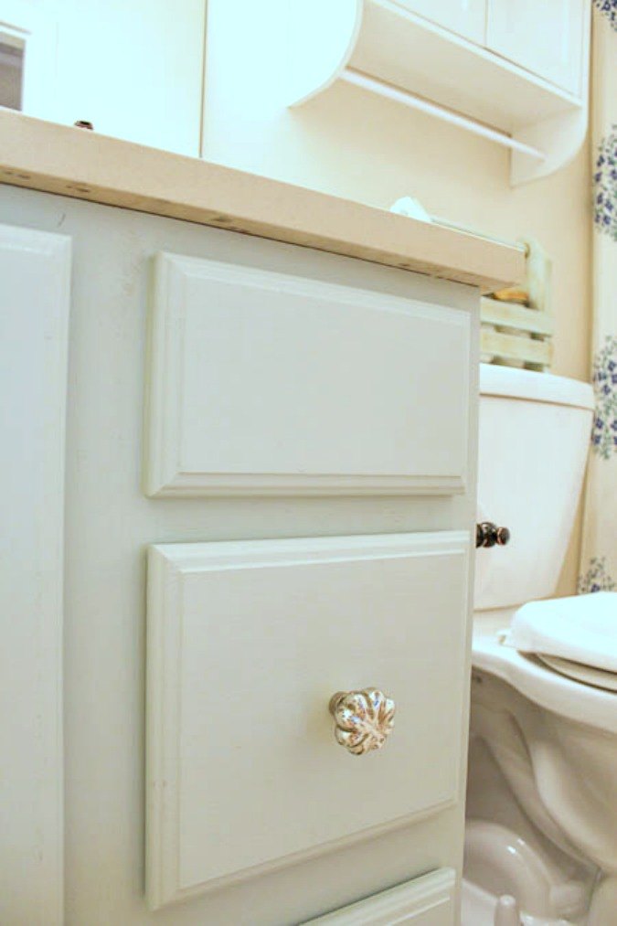 Great DIY Bathroom Vanity Makeover