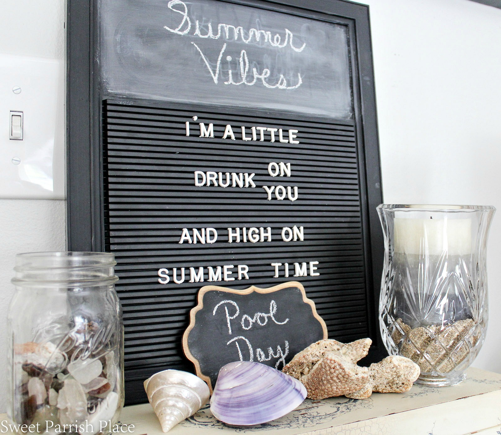 summer home tour letter board