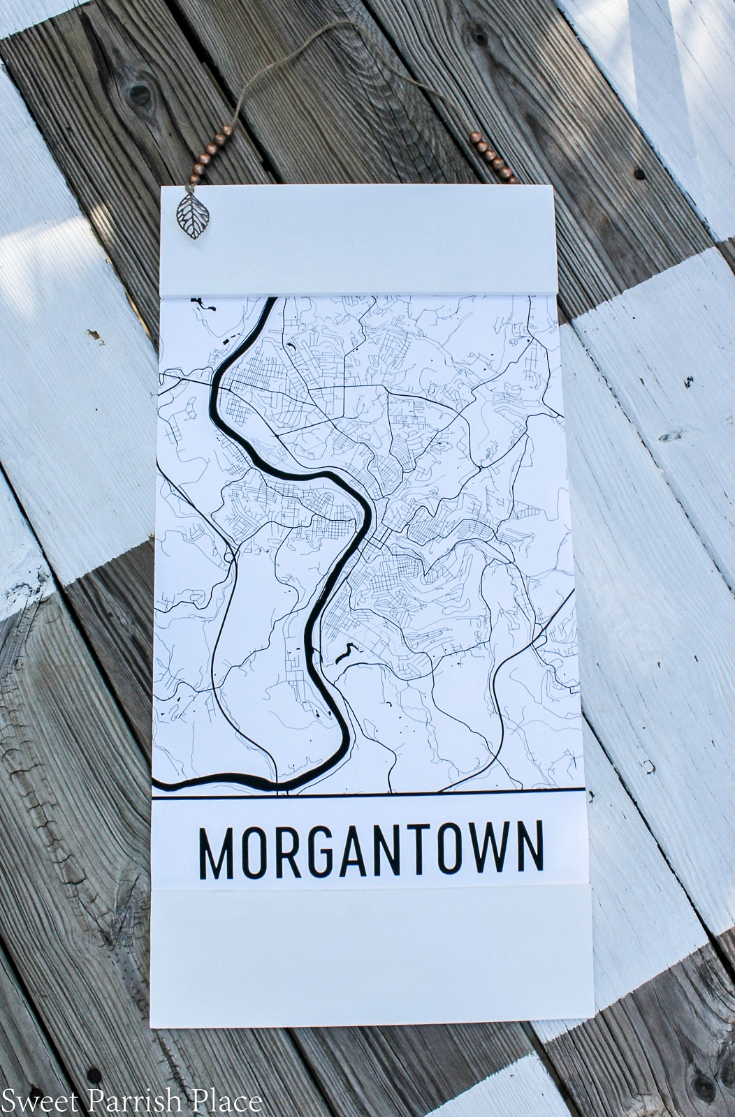 i received this morgantown wv street poster free for review from the cutest little website called modern map art and i just happened to love it so much - Diy Poster Frame