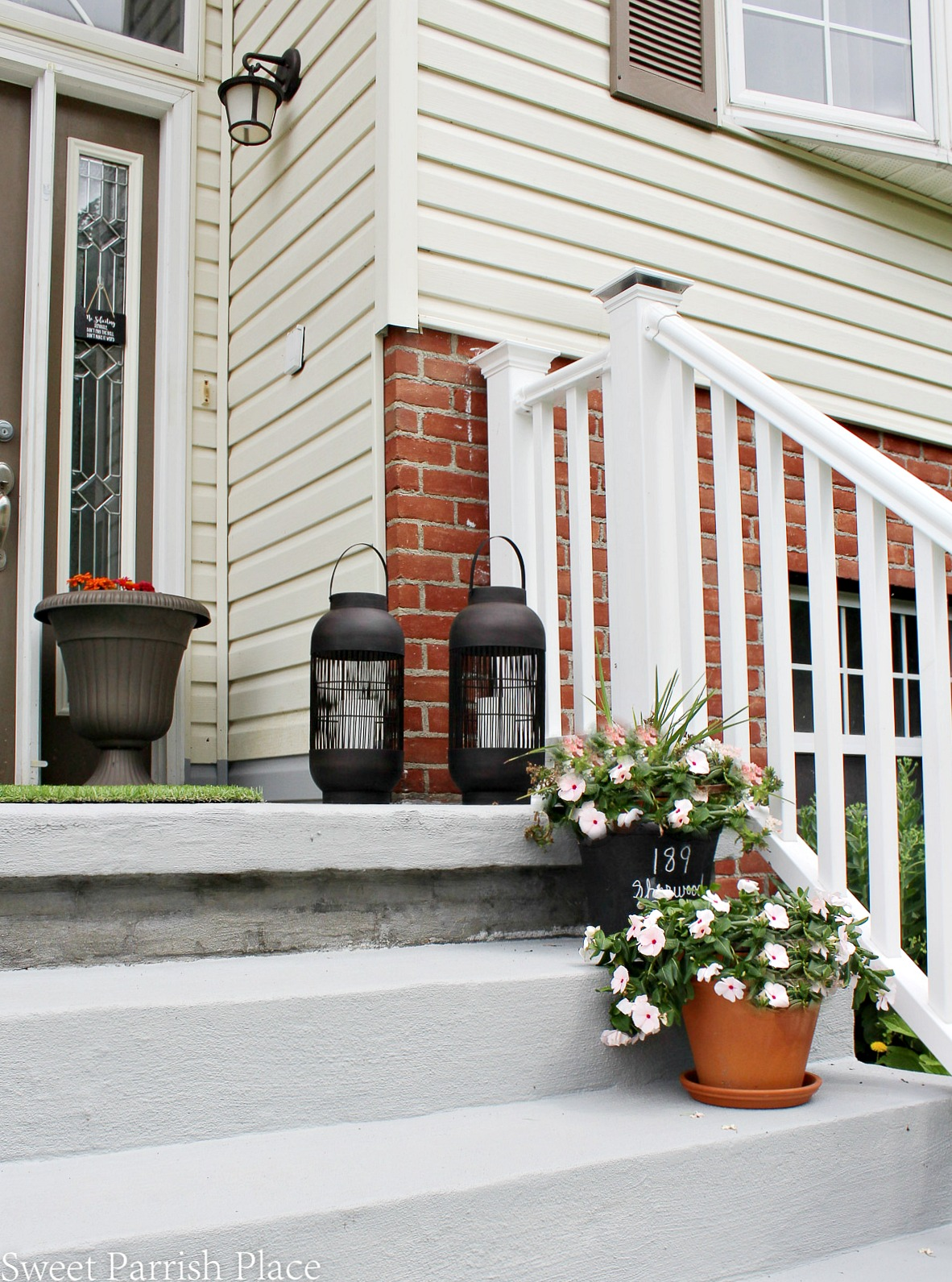 front stoop makeover with porch paint