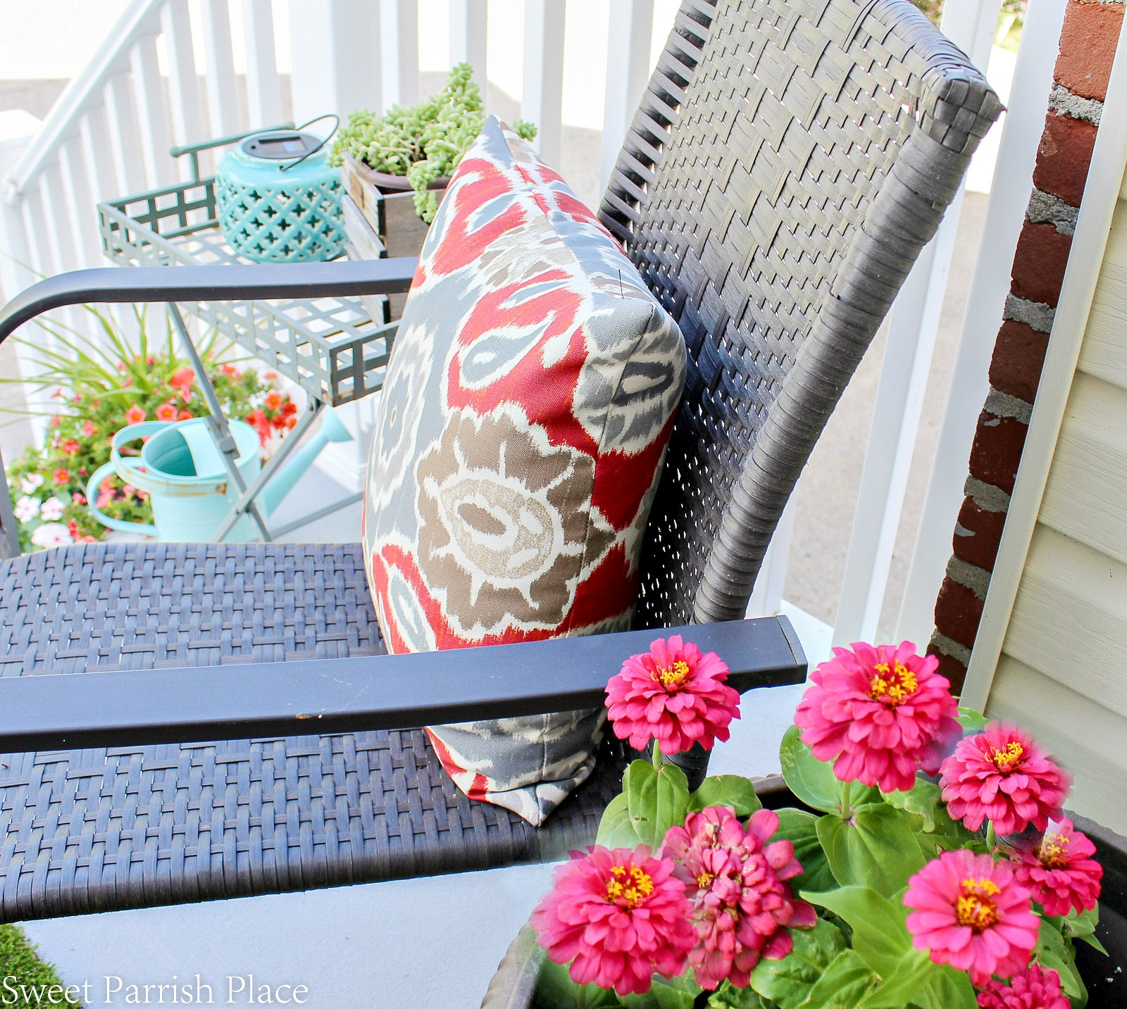 front stoop makeover outdoor pillow