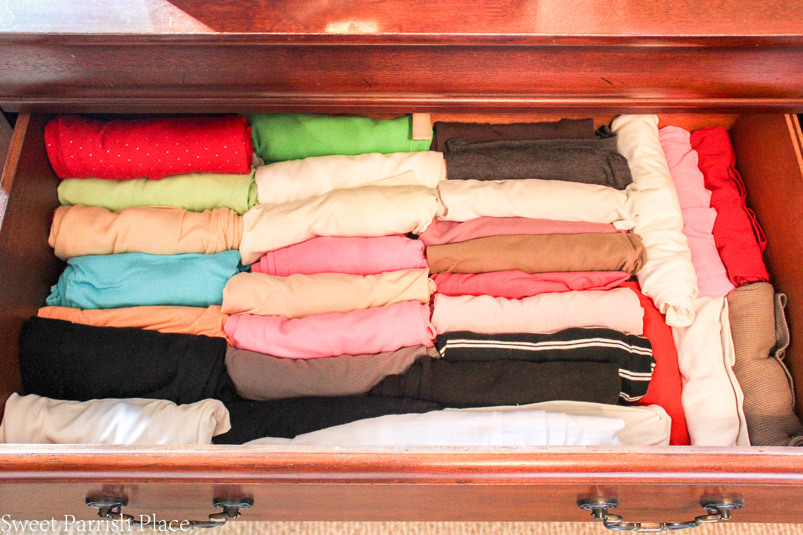 Today I'm sharing 5 ways to organize your drawers