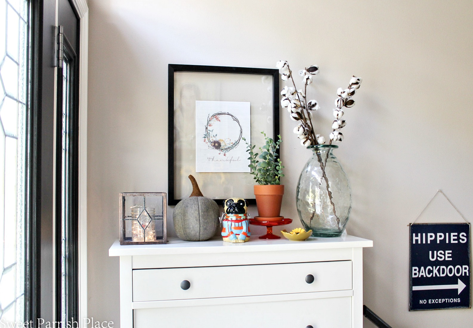 Today I'm bringing you some cozy fall goodness with the first part of my Fall home tour.