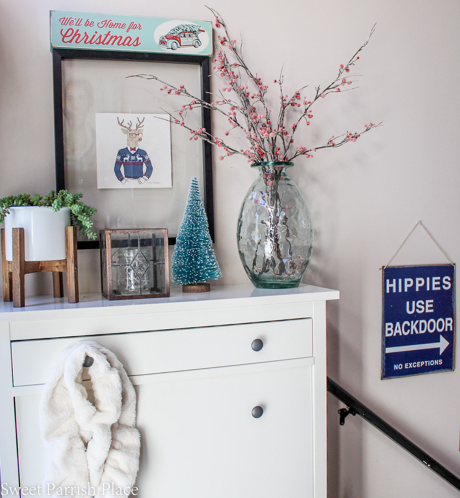 boho chic Christmas entryway 4