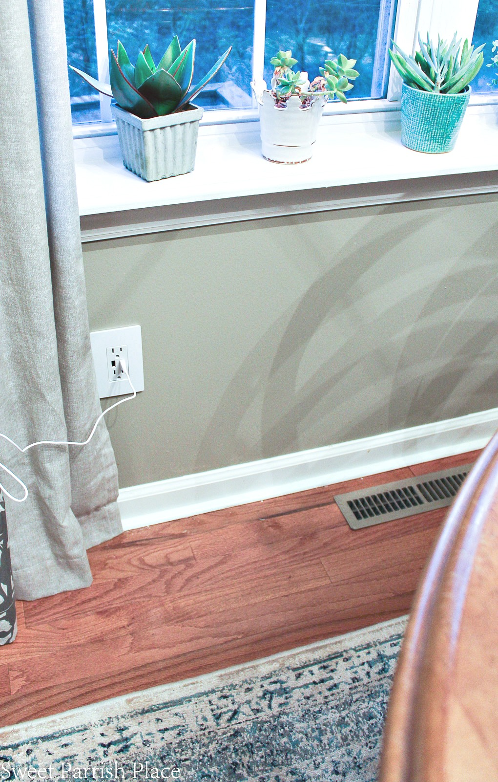electric outlets with USB ports