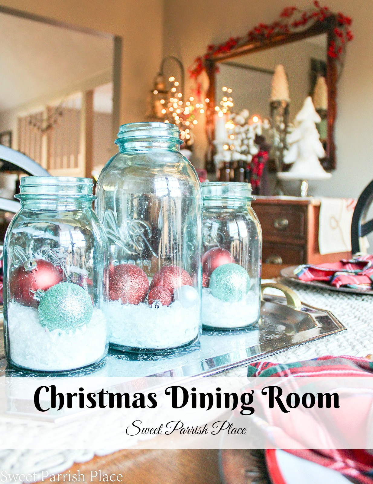 Casual Christmas Dining Room