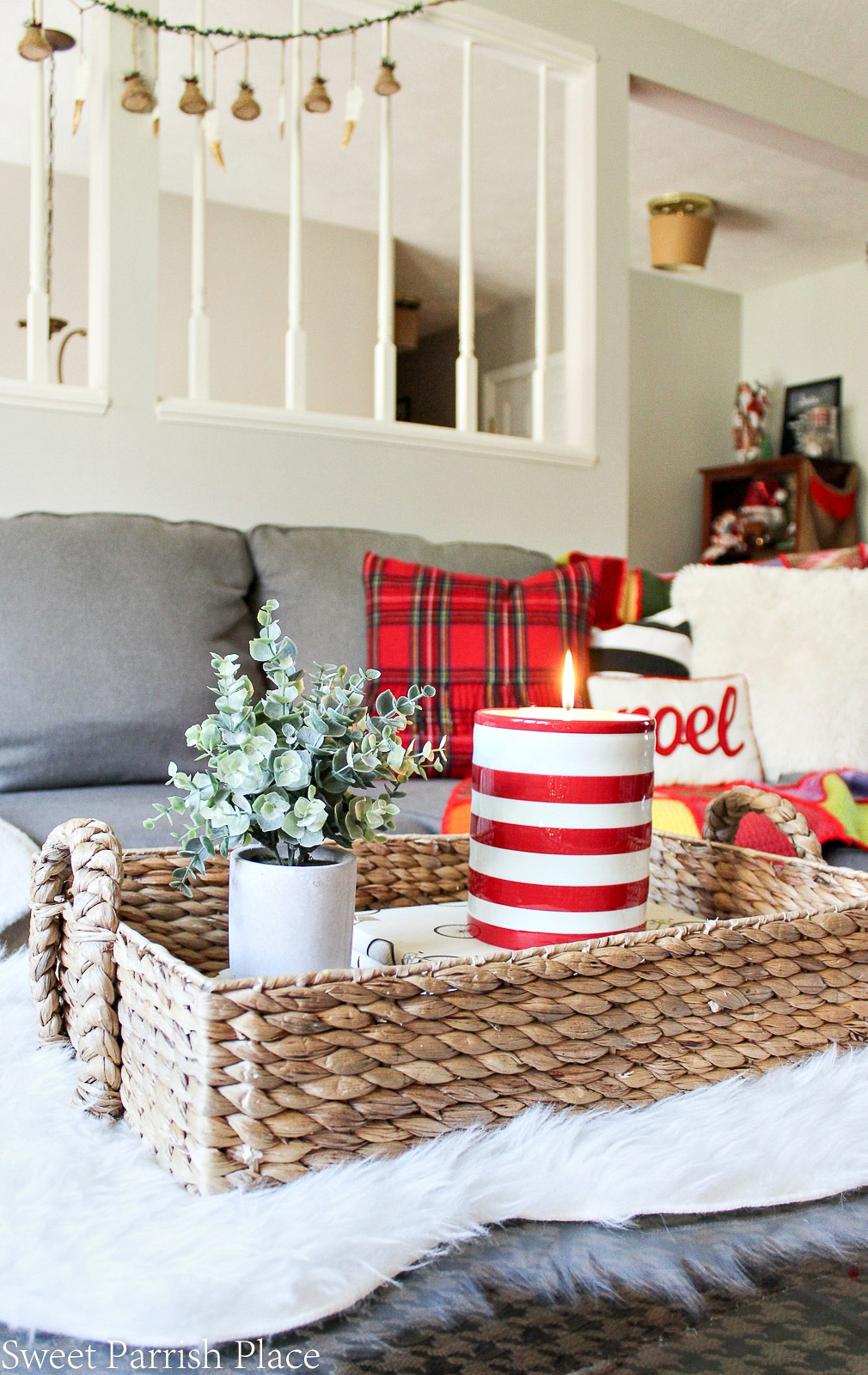 red and white Christmas living room 5