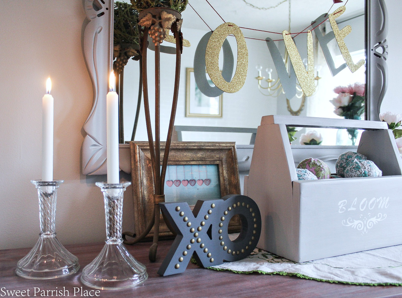 modern farmhouse Valentine's Day decor