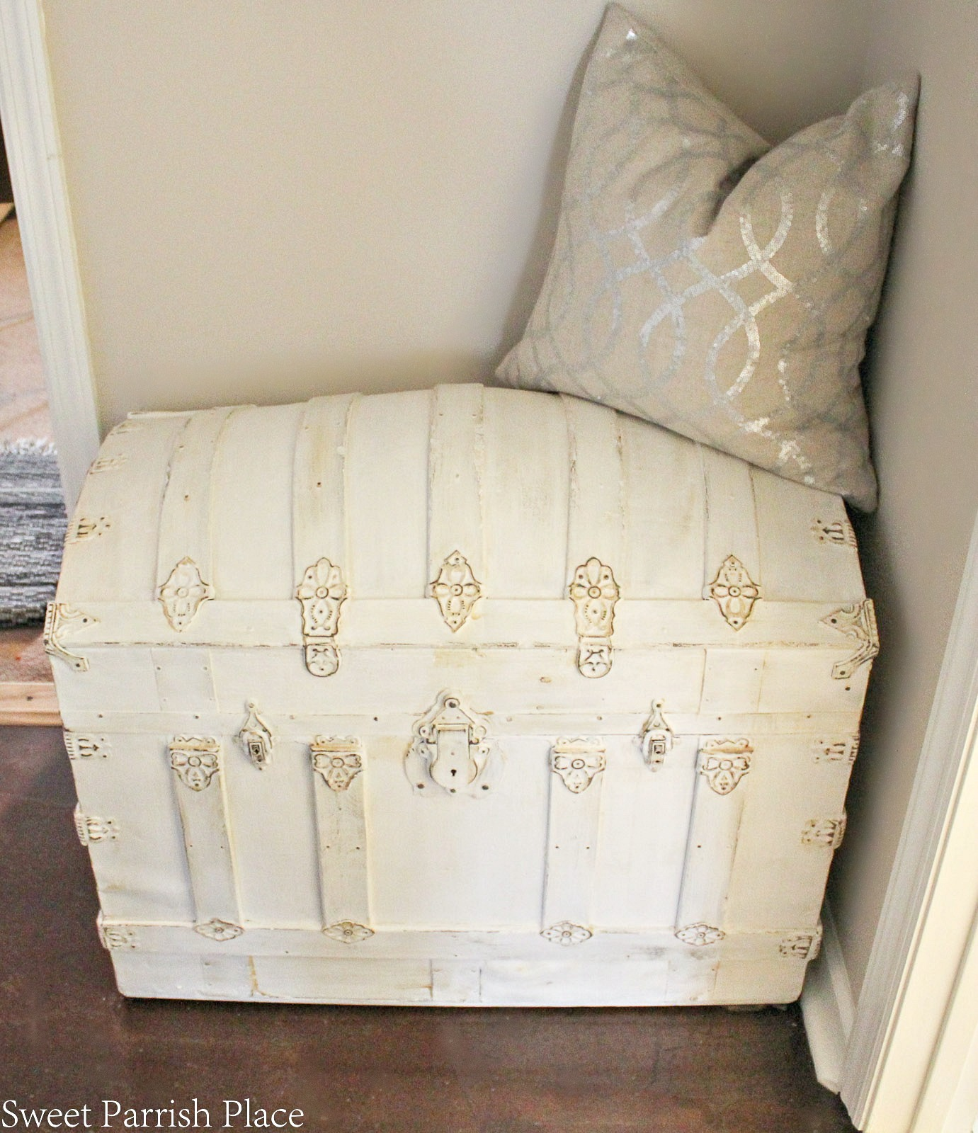 chalk painted vintage trunk makeover