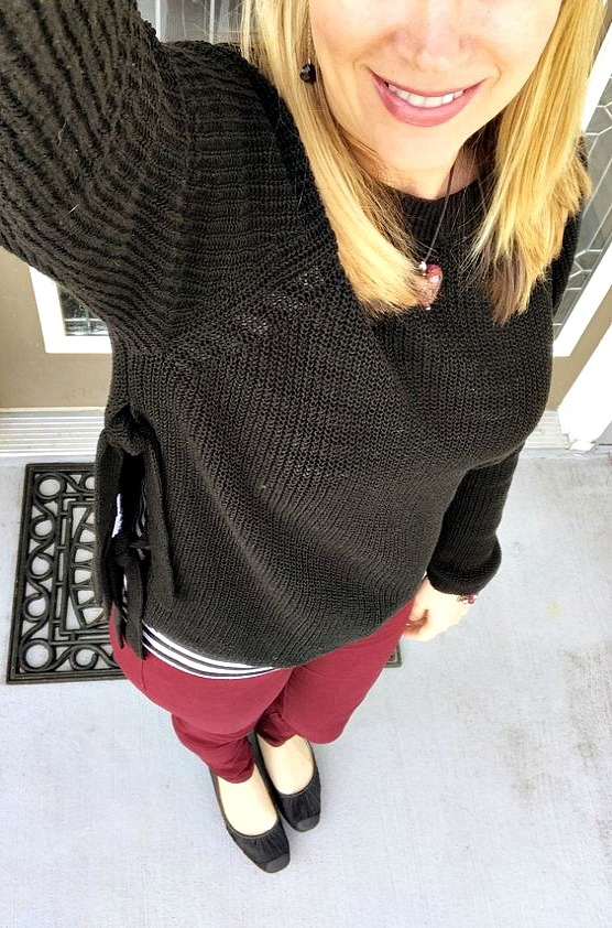 wine skinny jeans with black sweater
