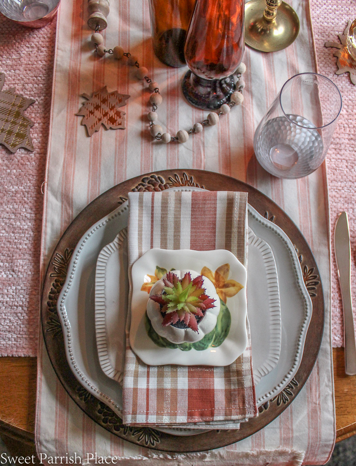 pretty fall table setting for dining table