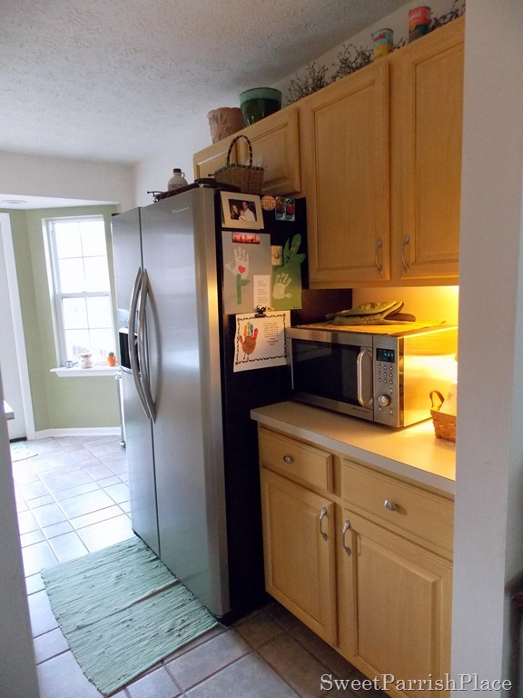 kitchen makeover before photo