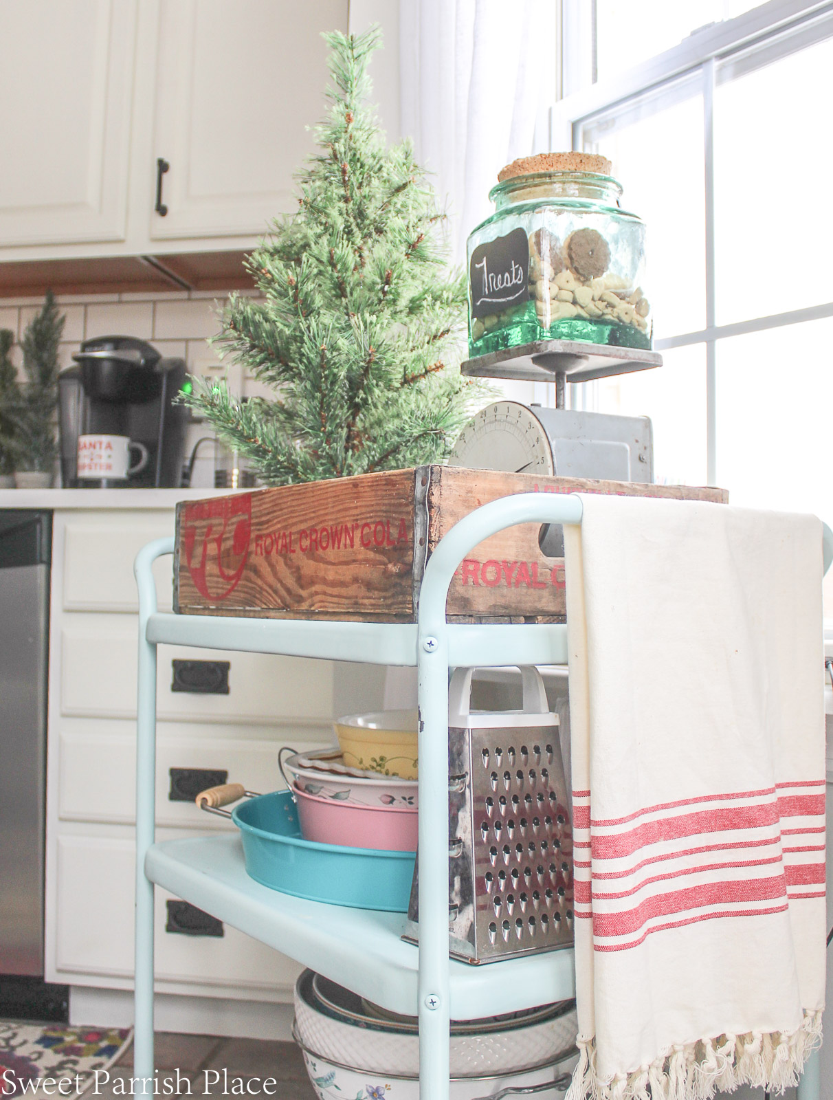Christmas in my new kitchen- vintage bar cart