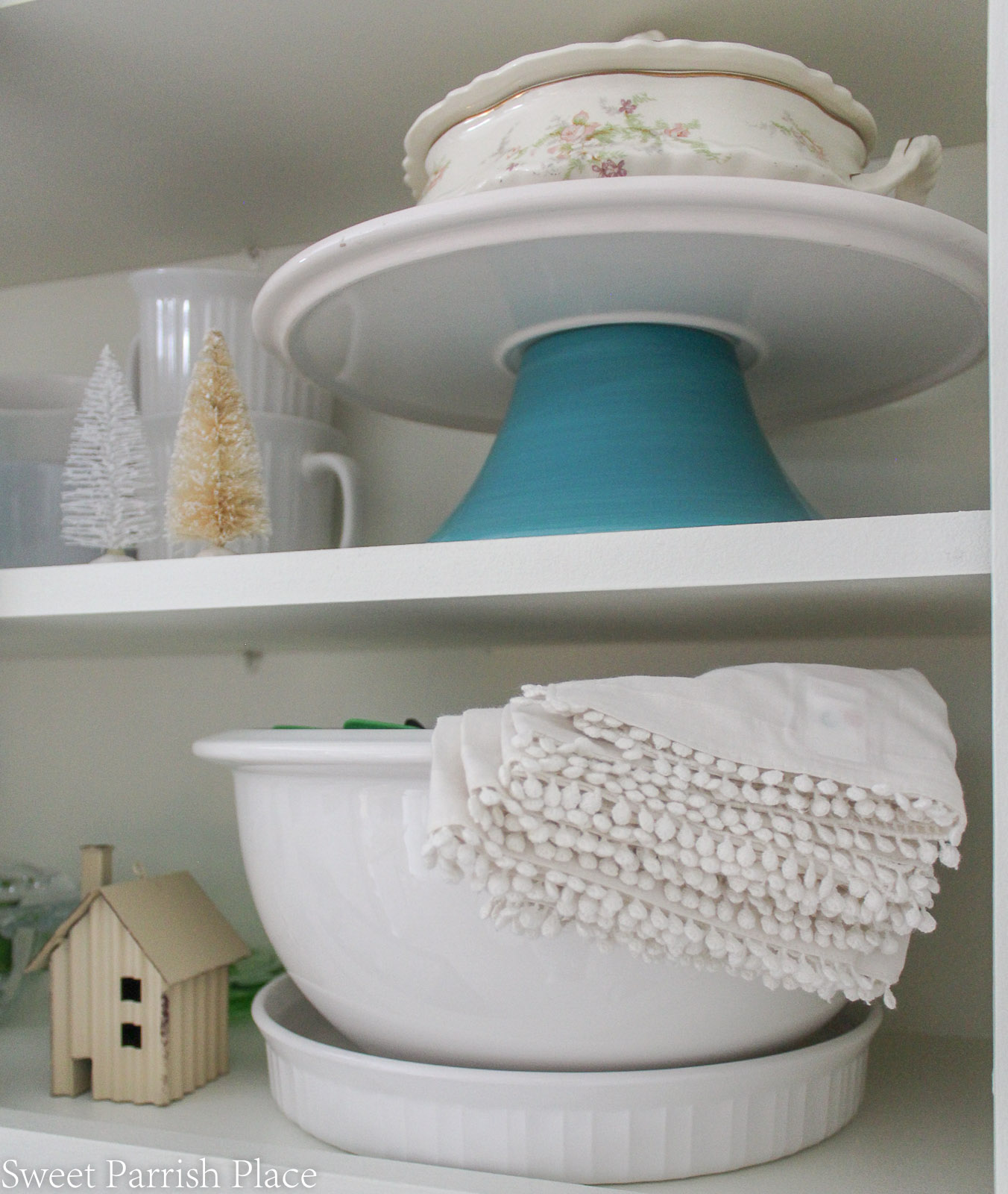 Christmas in my new kitchen- close up of shelves