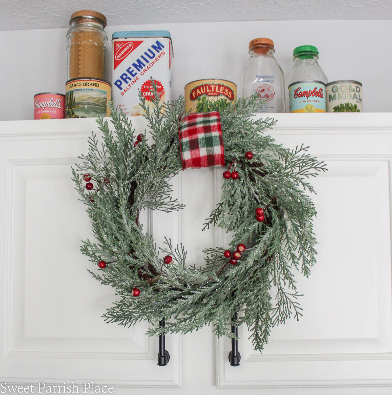 Christmas in my new kitchen- glittered wreath