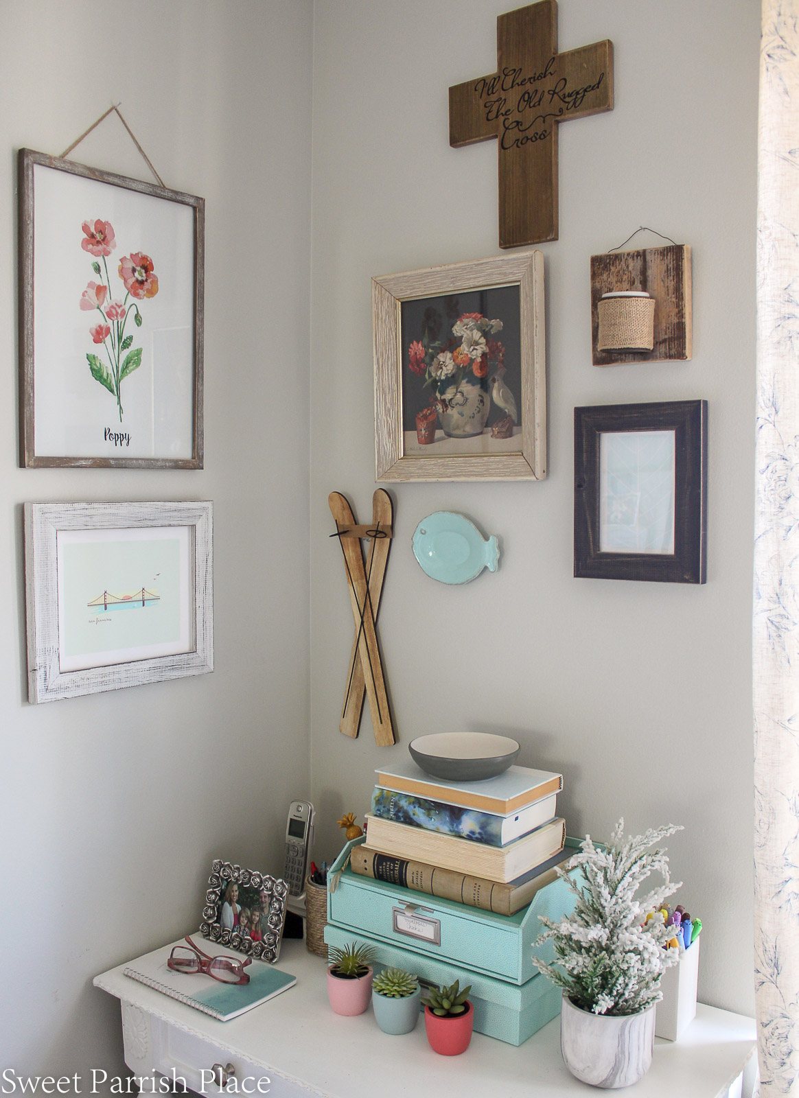 Modern Farmhouse Dining Room gallery wall