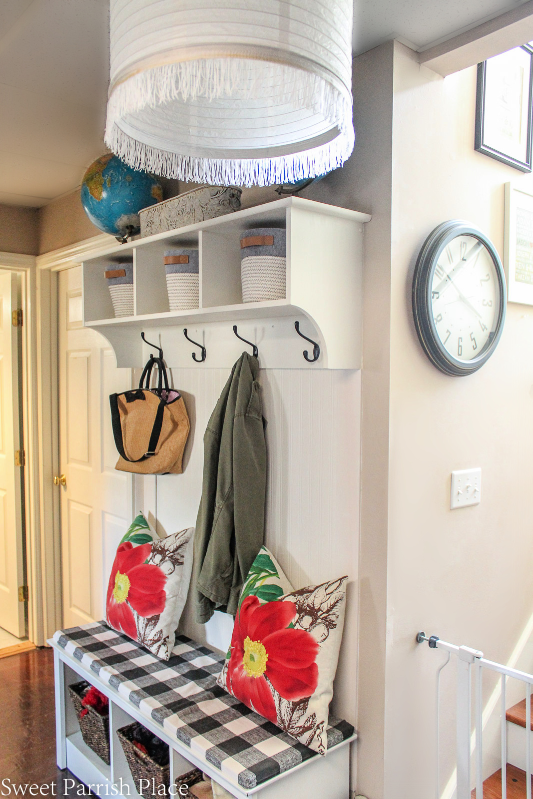 mudroom bench and shelf