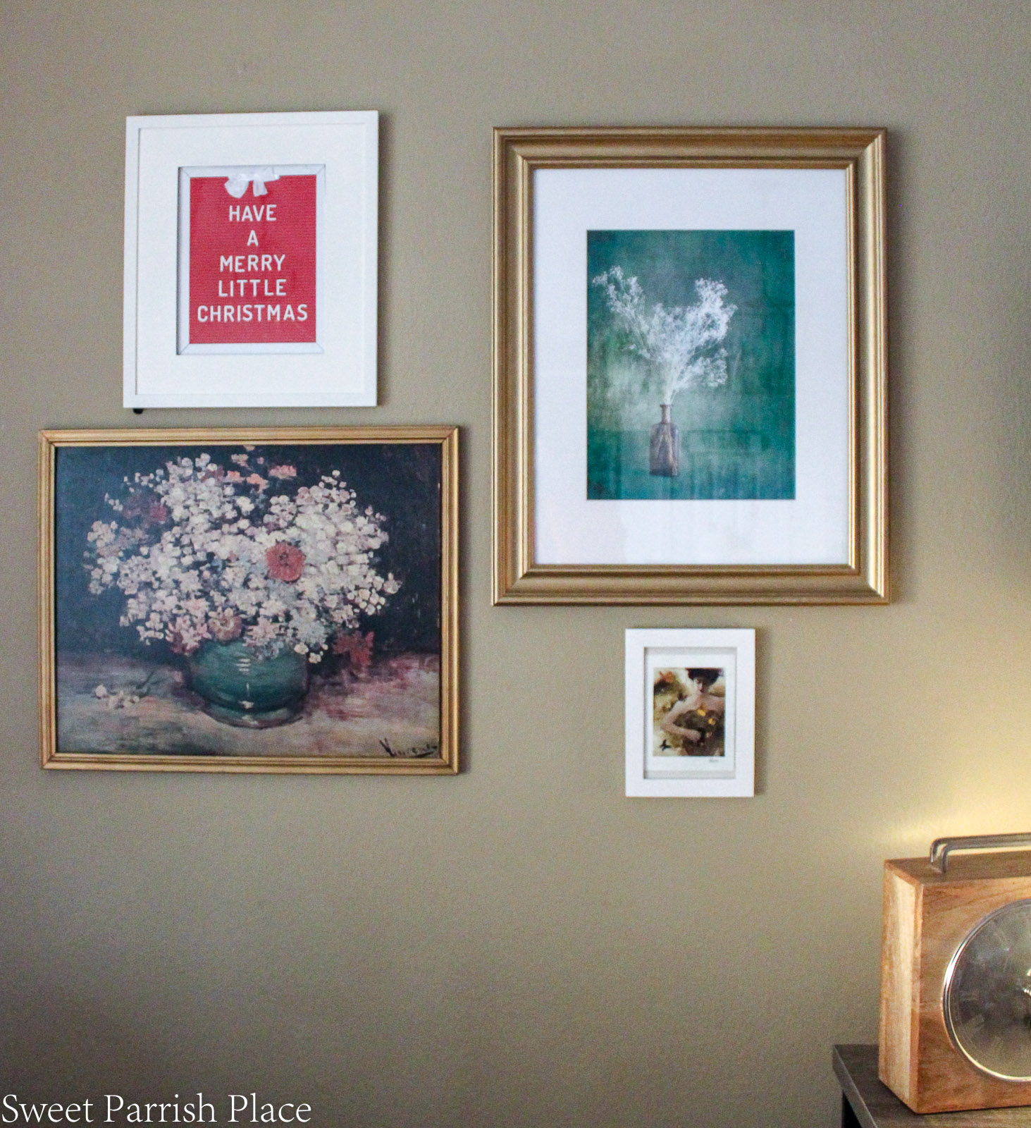 traditional Christmas breakfast room gallery wall