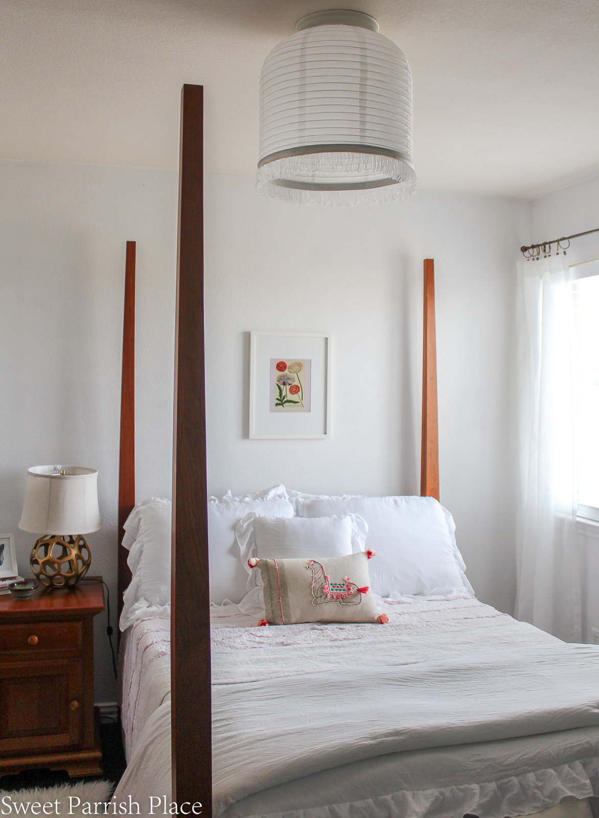 Guest Bedroom Reveal white fluffy bedding