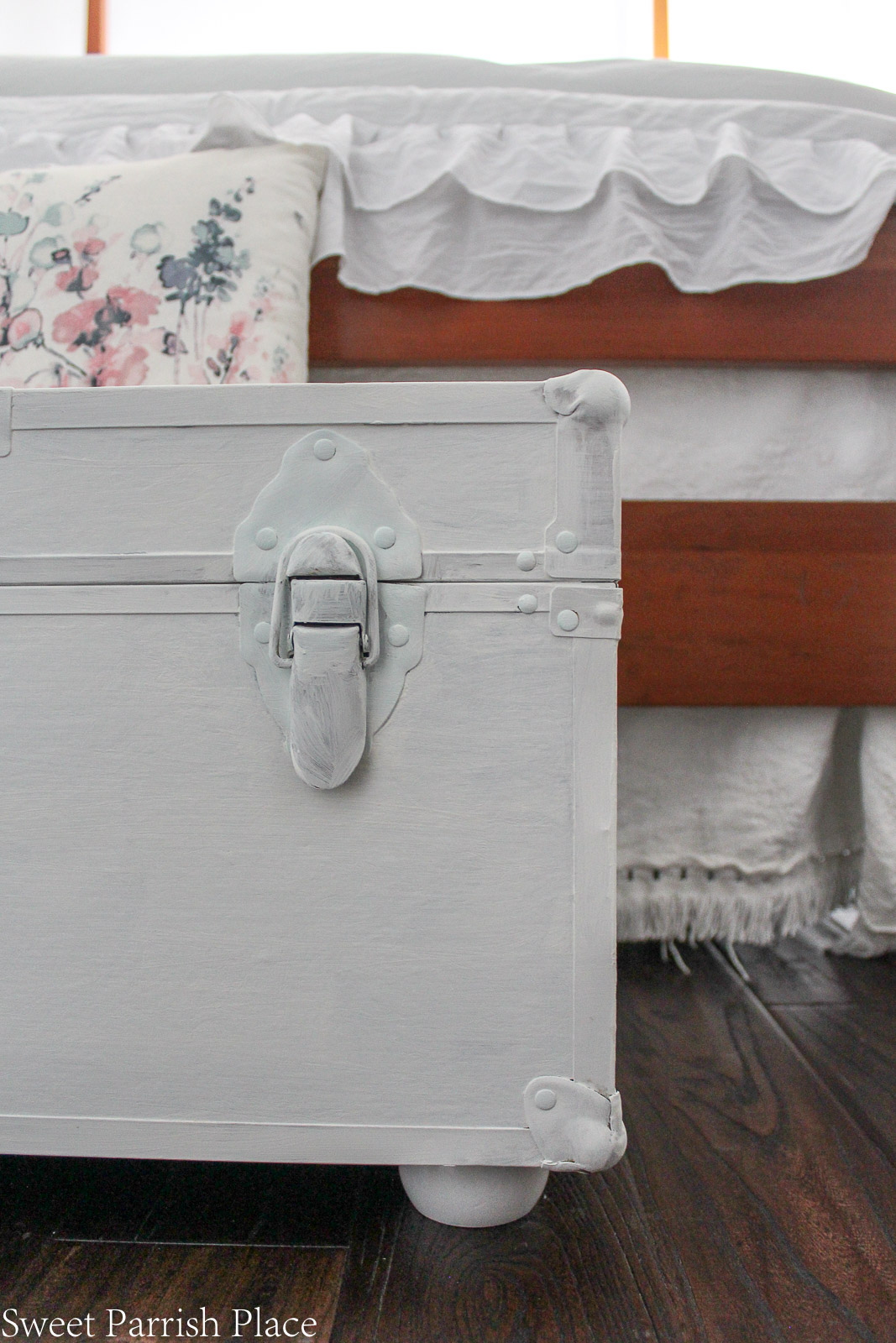 Guest Bedroom Reveal white chalk painted trunk
