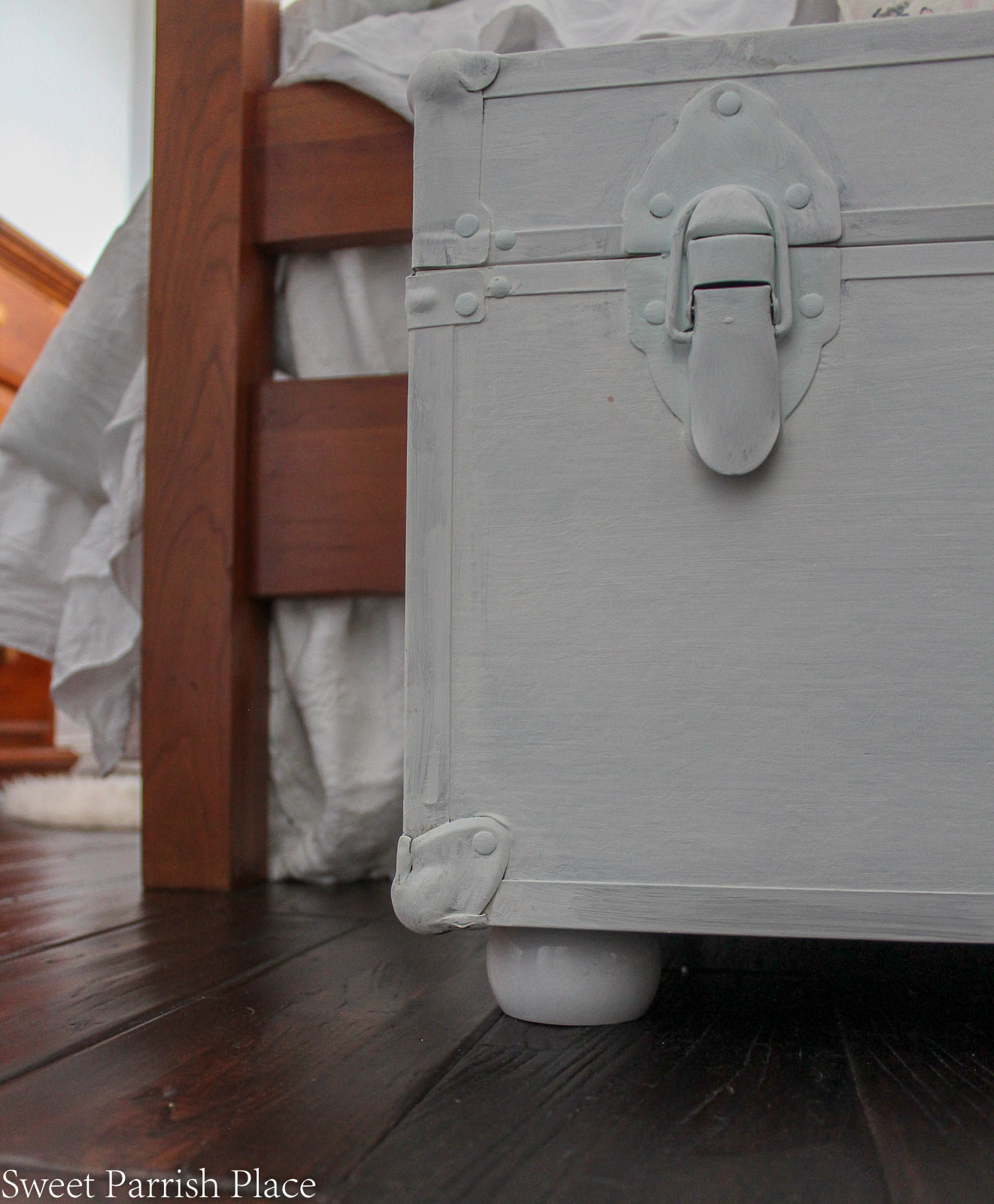 Vintage Steamer Trunk Makeover with bun feet