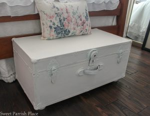 Vintage Steamer Trunk Makeover | $100 Room Challenge Week 3