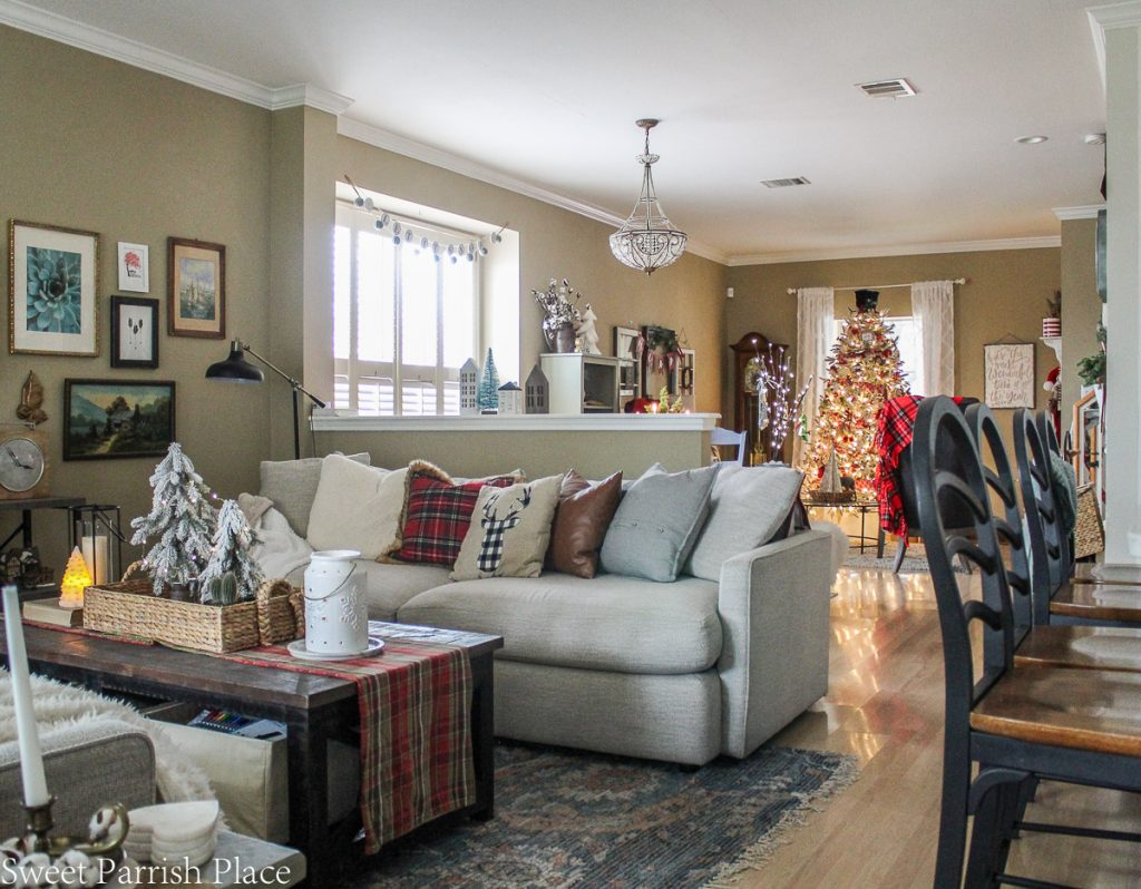 cozy and casual Christmas tour- view toward front room