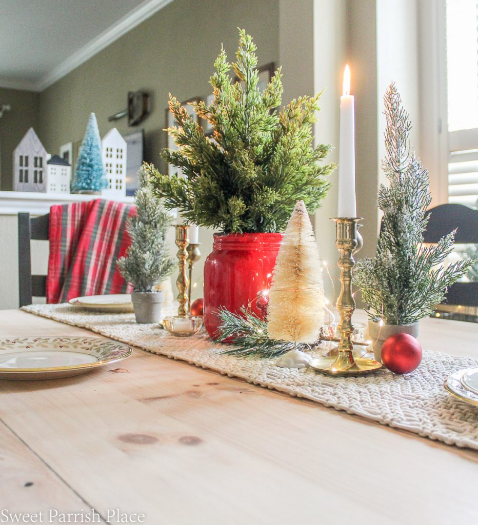tablescape for casual and cozy Christmas tour