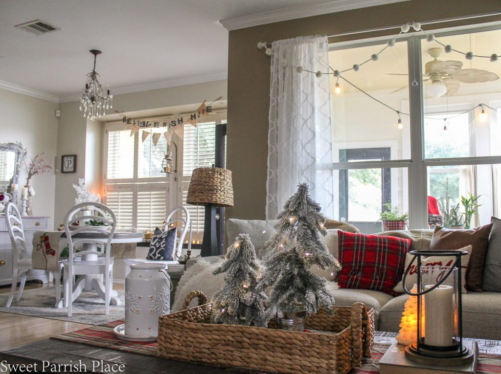 cozy and casual Christmas tour- view into breakfast room